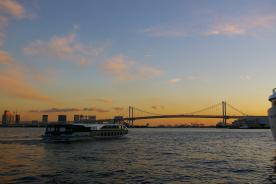 晴海ふ頭、レインボーブリッジ 東京湾の美しい夜景をバックに豪華絢爛な夏の祭典!