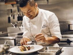 フランスの三ツ星レストランで経験を積んだ岡田シェフによる特別ランチ