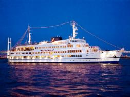 大型客船ロイヤルウィング