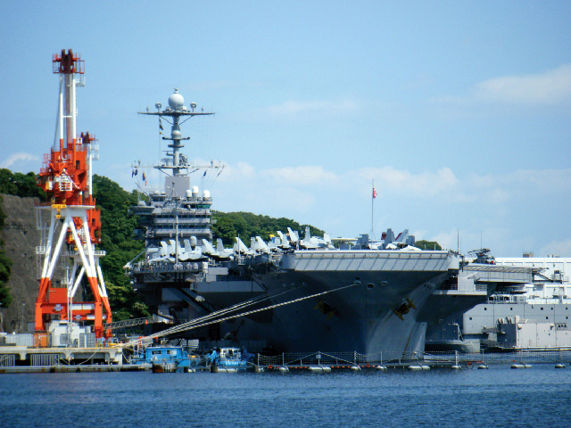 米 海軍 横須賀 基地